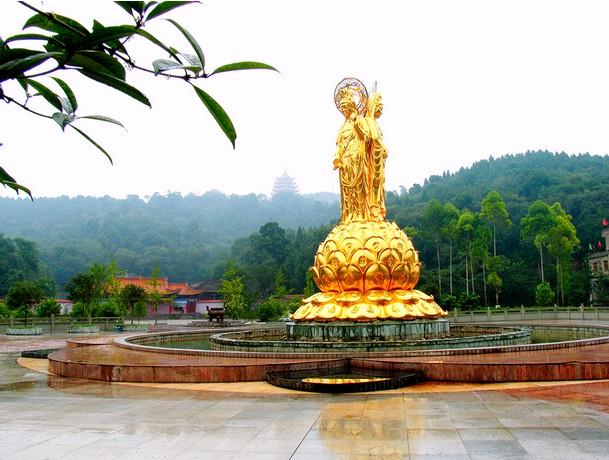 广德寺(国家aaaa旅游风景区) :坐落在遂宁城西2公里处的卧龙山间